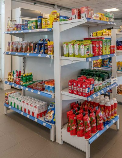 mercado y comedor Estación Río Olivia